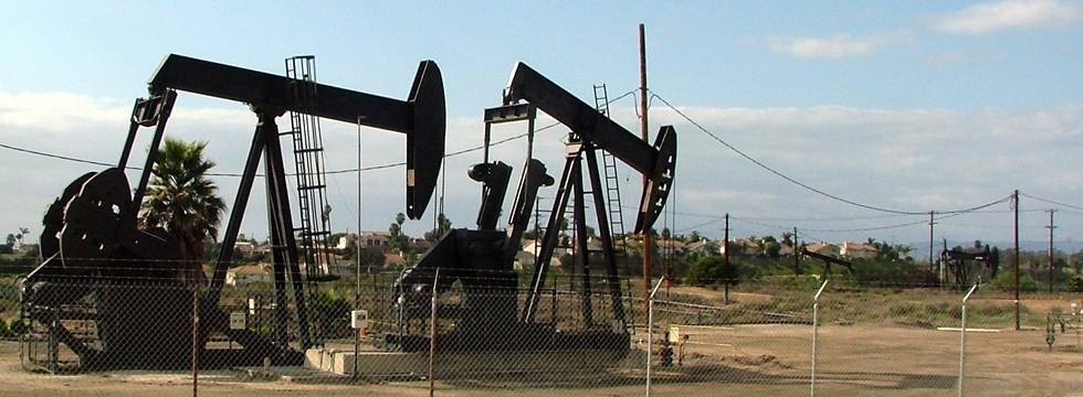 Oil pumps sound control